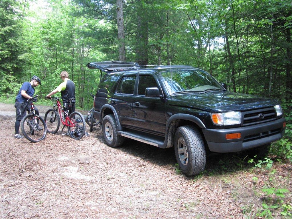 How many miles on your Toyota 4Runner, Tacoma, Pickup etc?-4runner-bike.jpg