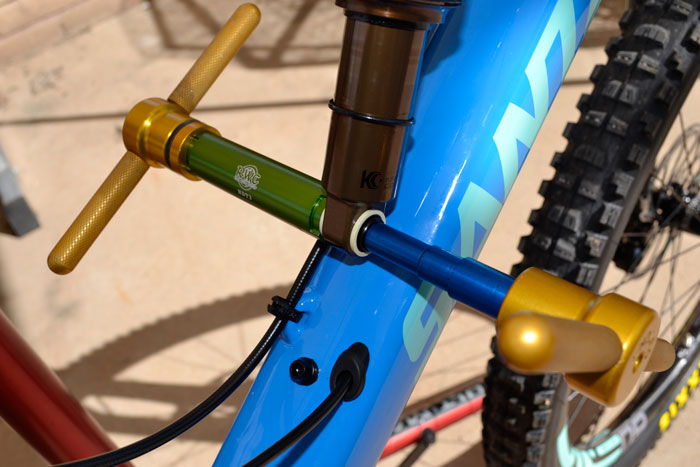 Real World Cycling shock needle bearing kit IS AWESOME-5010_nb_instl_2b.jpg