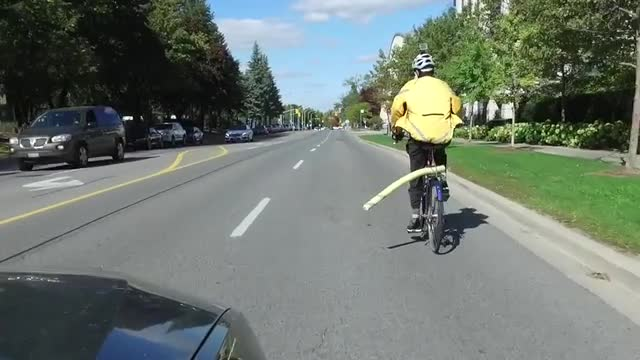 Toronto Cyclist Says His Pool Noodle Makes his Toronto Commute Safer-5174755997001-videostillimage.jpg