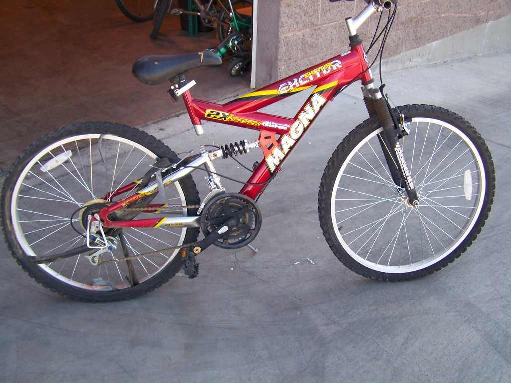 What's everyone riding around SO CAL?-5237-red%2520magna%2520bike%2520left%2520side.jpg