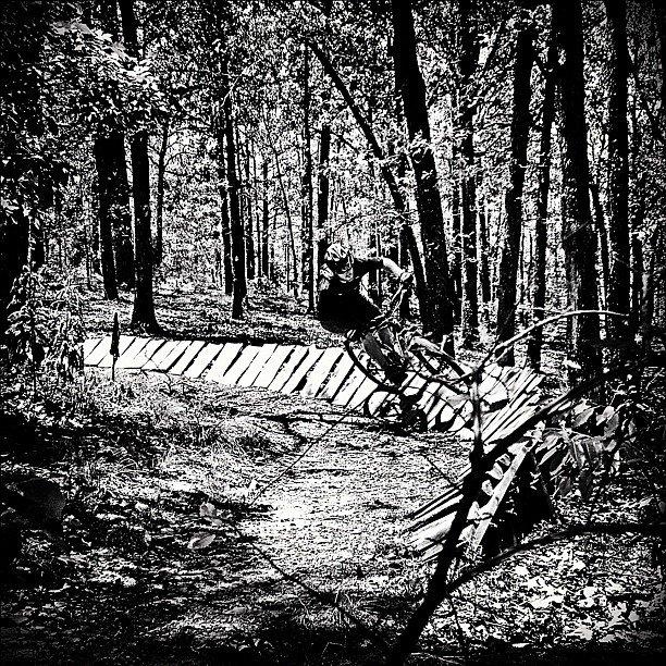Black And White Photos Post 'Em-548953_472872566058814_1593752771_n.jpg