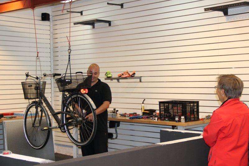 Hanging bike.-5528553-mere-plads-til-begejstring-1.jpg
