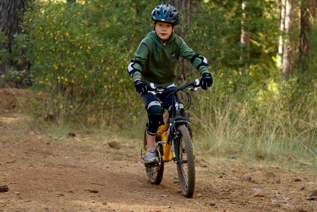 """Pair Of ETC Wellgo Junior Kids Bike Pedals 1//2/"""" MTB Bicycle Cycle"""