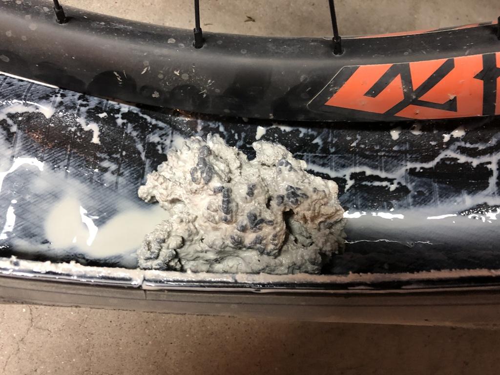 Truckerco isn't pooling. It just paints my tire.-70998308-888f-4d6e-8177-6840c3052093.jpg