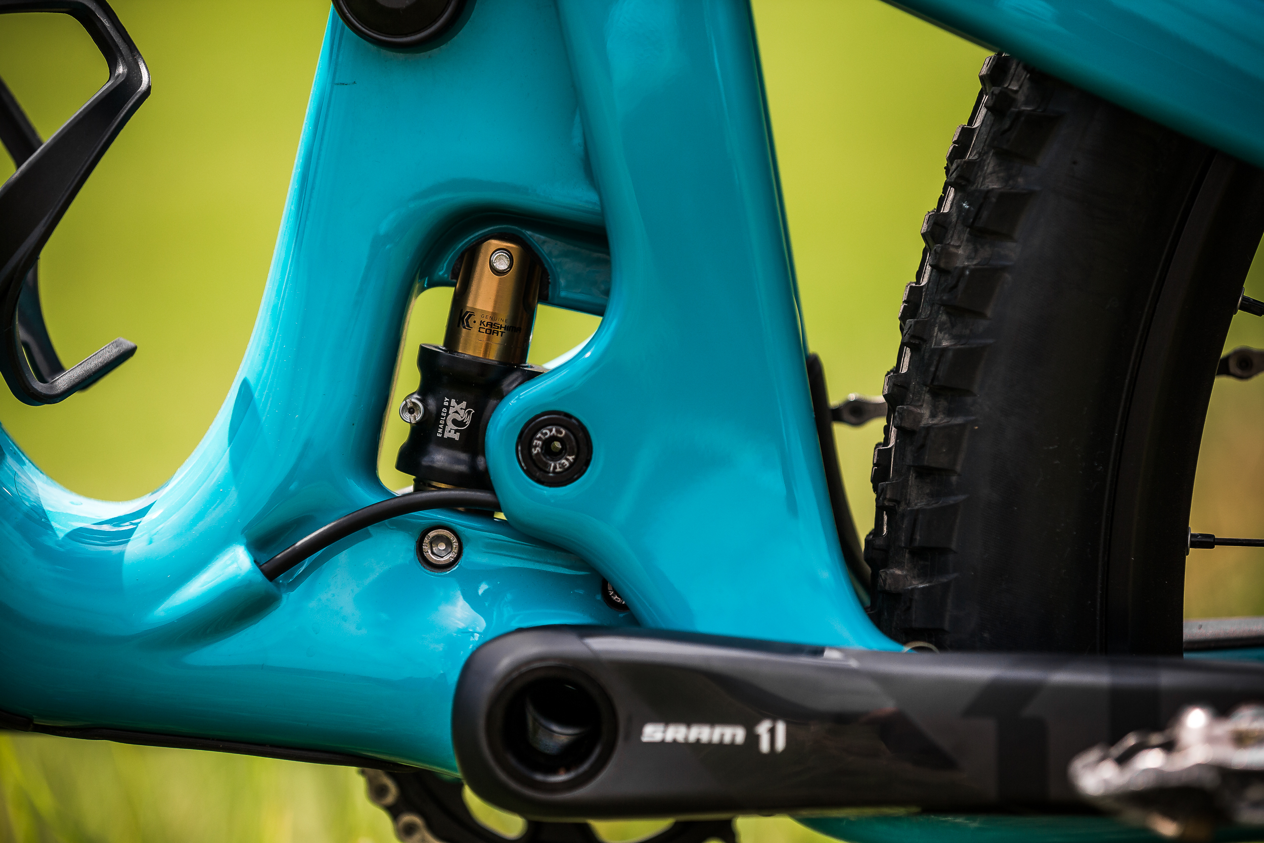 The Switch Infinity suspension system allows Yeti to tune the suspension characteristics to its liking.