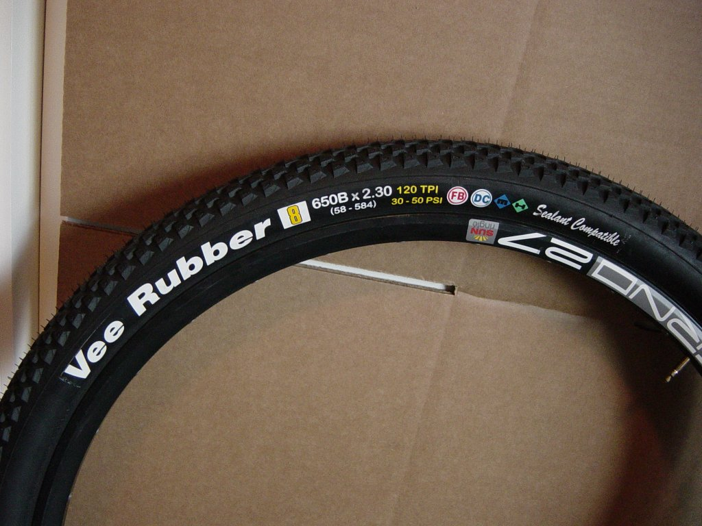New Vee Rubber 650B Tires!!! lots of pics-8-side.jpg