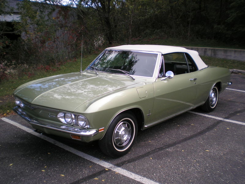 """Your Favorite Car Of Your Birth Year""-800px-69_corvair_monza.jpg"