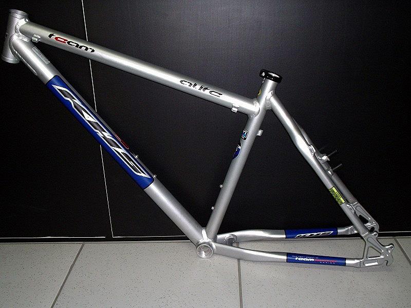 Help me choose XC frame: KHS Alite 2k or 4k ?- Mtbr.com
