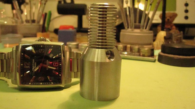 Bazooka Light... (or Revolver MkIII)-8596512720_4666460b79_c.jpg
