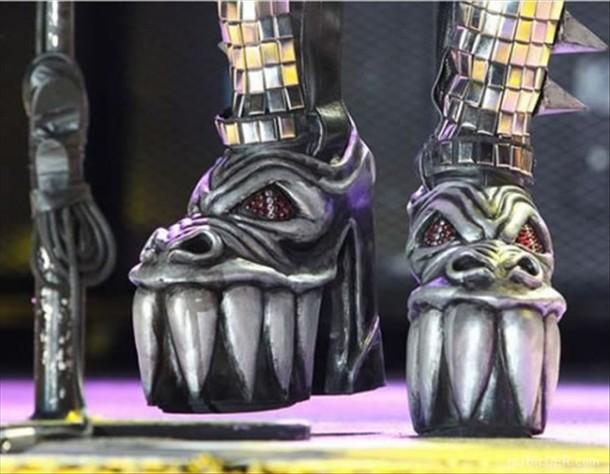 I need a pair of COMFORTABLE, reasonably-priced tennis shoes-87-kiss-my-feet_thumb.jpg