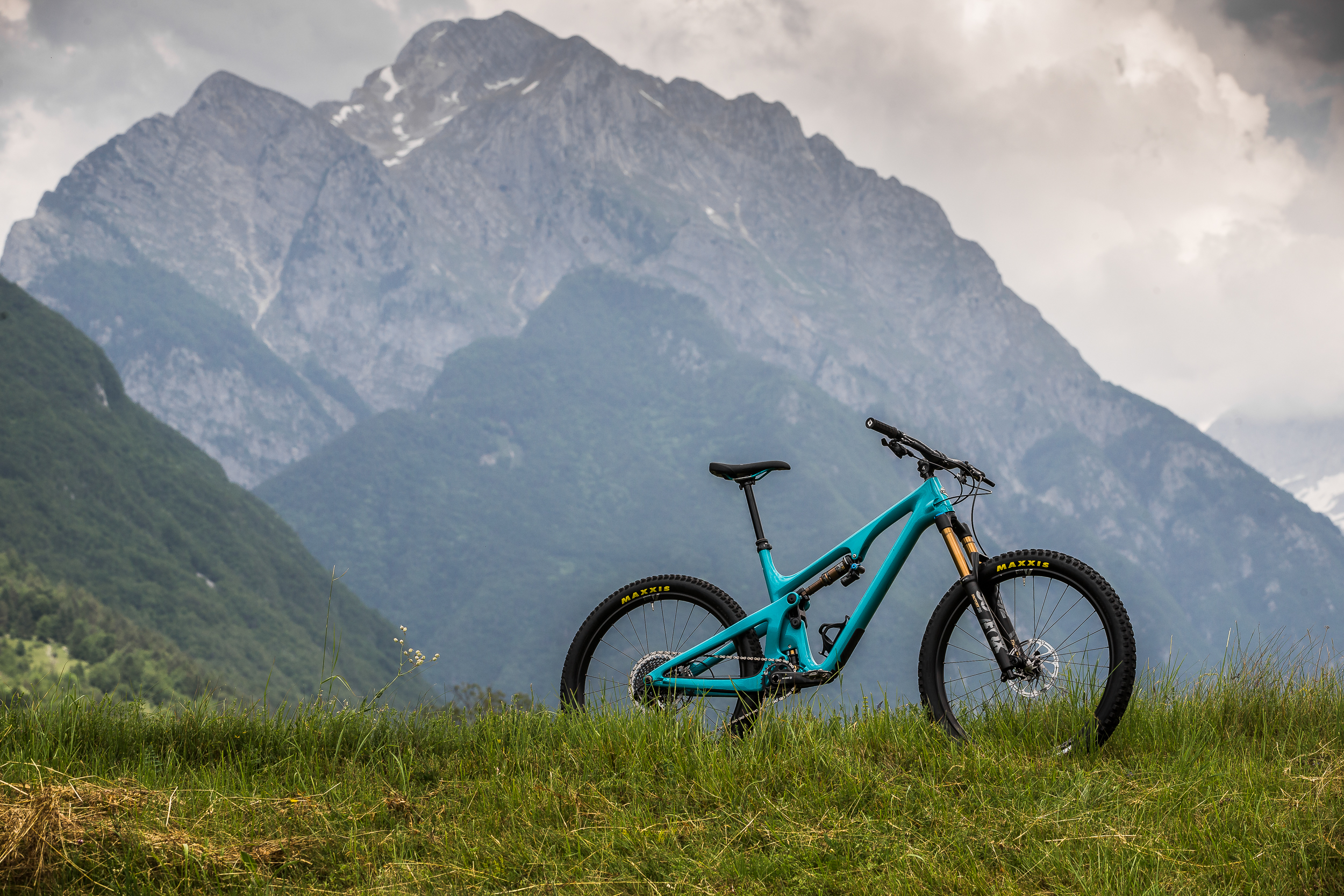 Long-travel 29ers might be in fashion right now, but the SB140 makes it clear there's still a place for a fast and playful 27.5-inch trail bike.