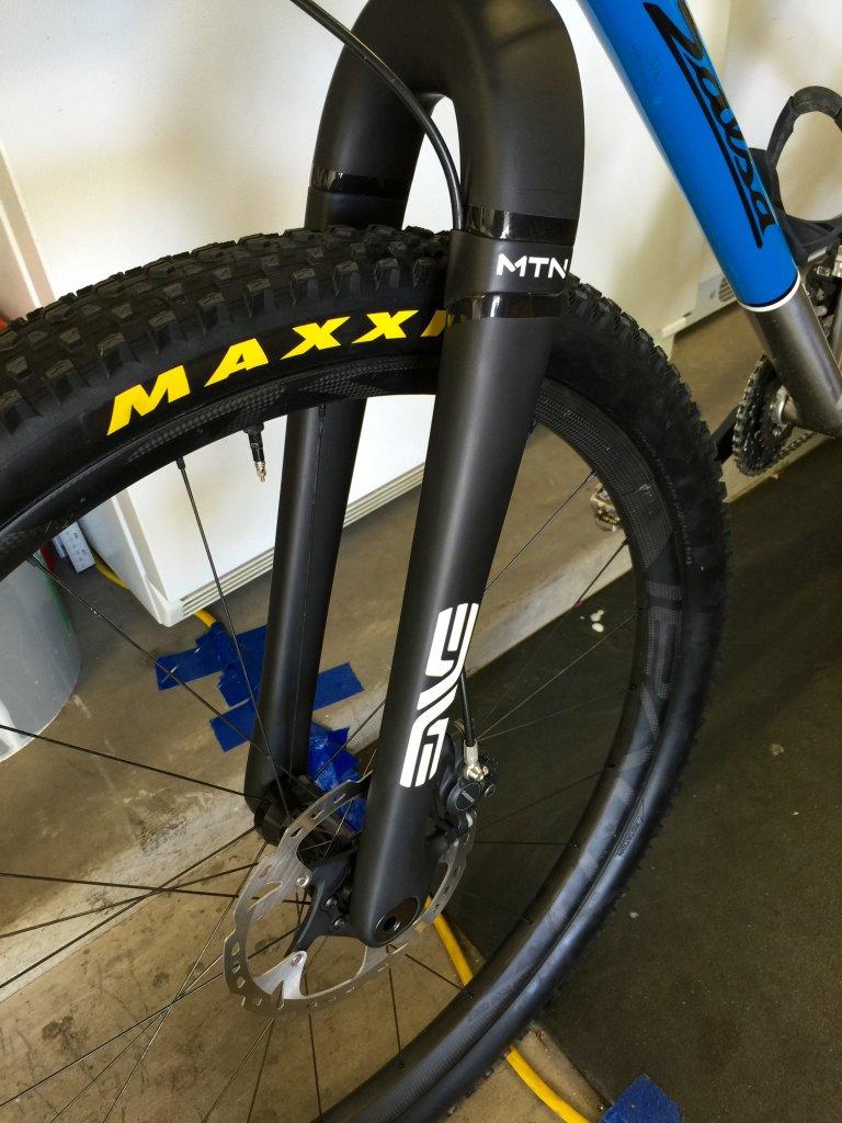 Maxxis Ikon 2.35-9-2.35-ikon-enve-mtn.jpg
