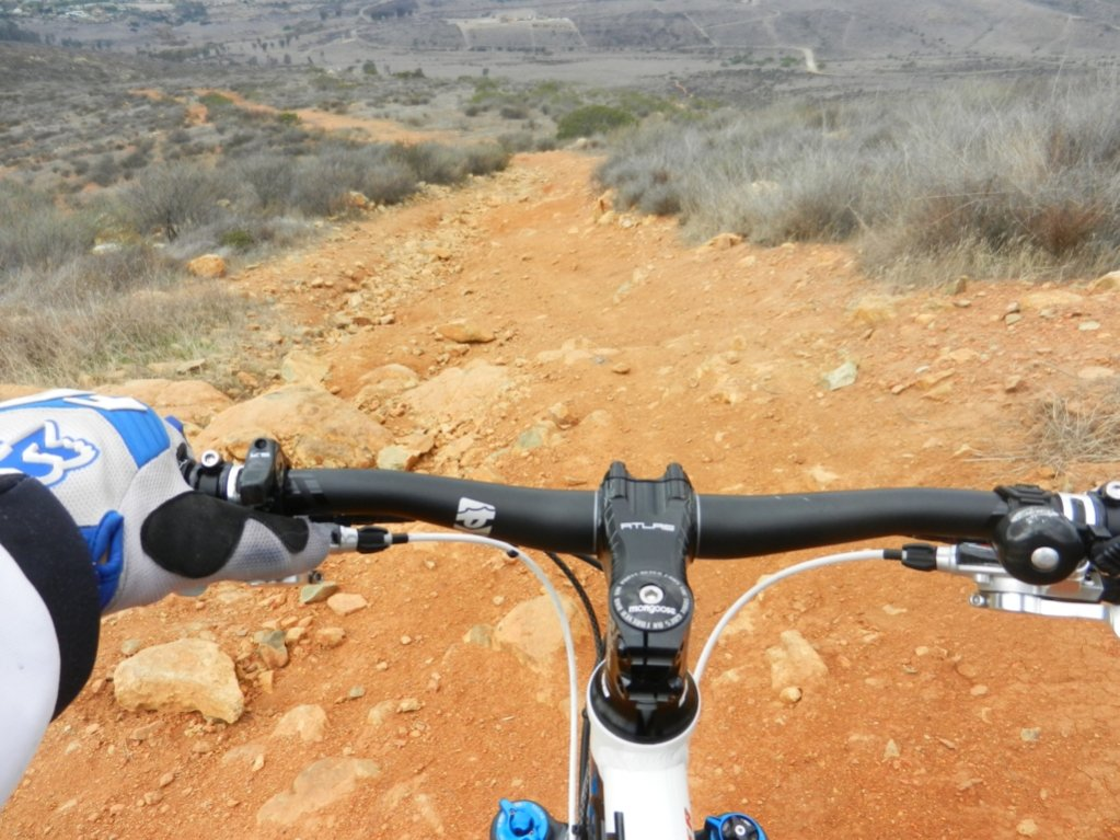 Show us a picture of your 26er MTB that you still use on the trails-9.jpg