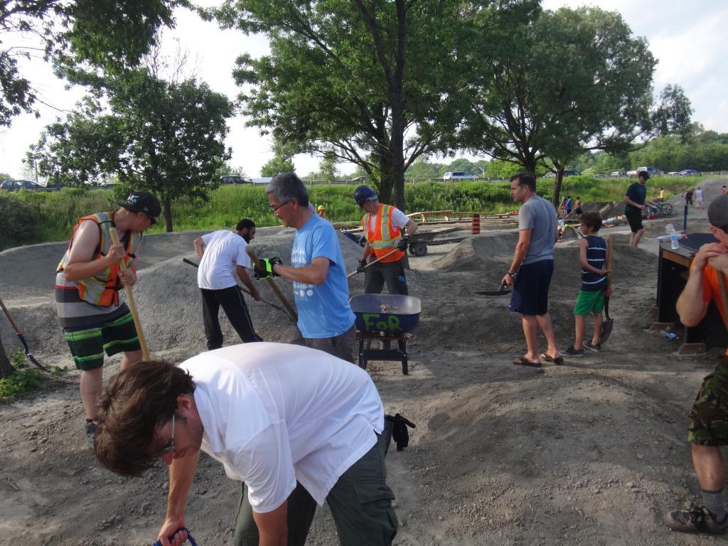 E.C. Throwback Thursday-904899d1404189057-volunteer-work-day-sunnyside-bike-park-dsc05452_zpsc36db606.jpg