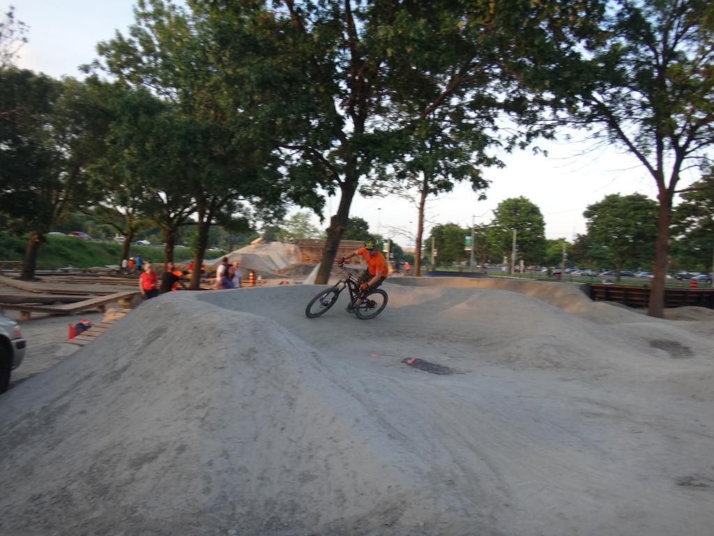 E.C. Throwback Thursday-904909d1404189080-volunteer-work-day-sunnyside-bike-park-dsc05521_zps15ed6fec.jpg