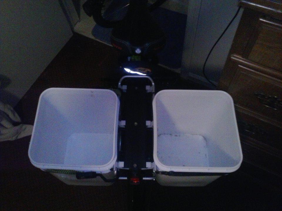 carrying cargo, on a normal bike.-972016_184189031739513_167168429_n.jpg