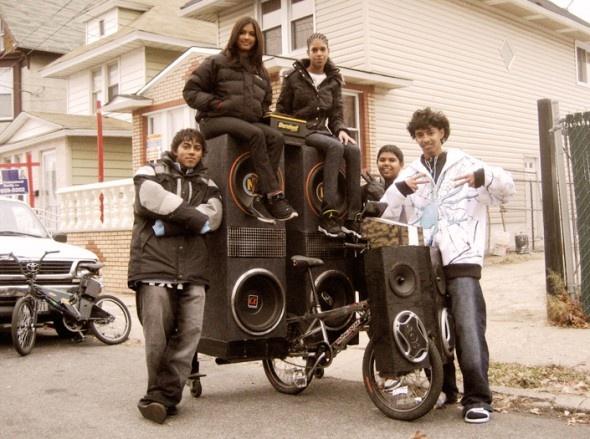 Something to make noise as you ride-9f3a8e9607e8838b3c5d7fa54bd97f52.jpg