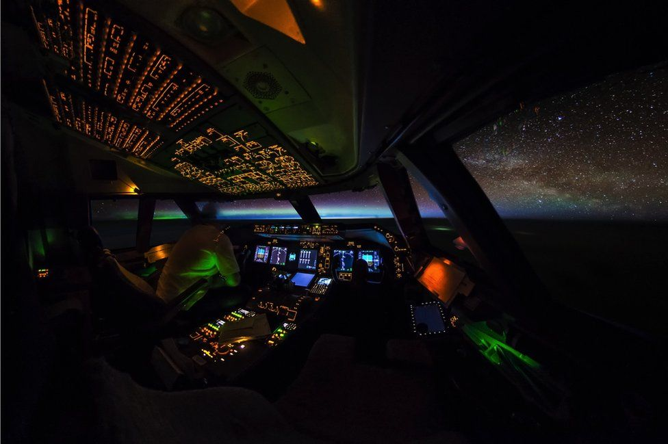 Photography Thread-_95131784_boeing-747-cockpit-aurora-night-sunrise-galaxy-milkyway-stars-vanheijst_1600px.jpg