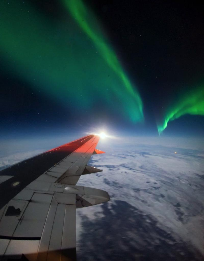 Photography Thread-_95132098_aurora-borealis-northern-lights-737-wing-alaska_1600px.jpg