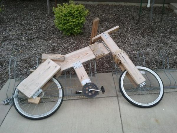 .......-.aaa-wooden-bicycle.jpg