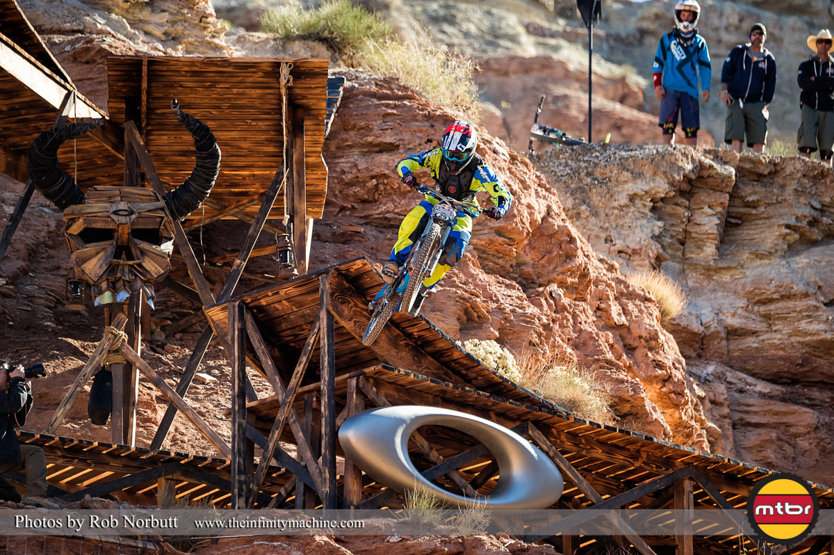 Nico Vink On the Oakley Sender - Redbull Rampage Qualifying 2013