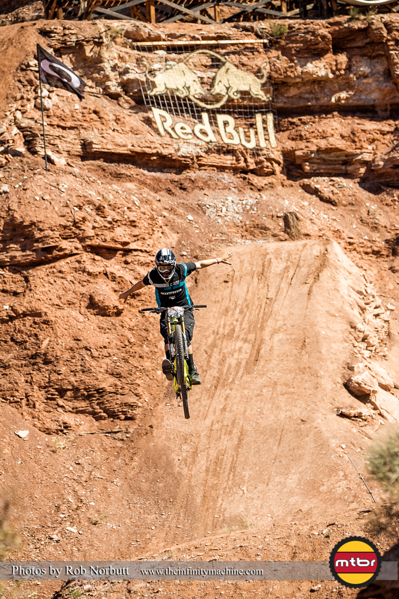 Brendan Howey No-Hander - Redbull Rampage Qualifying 2013