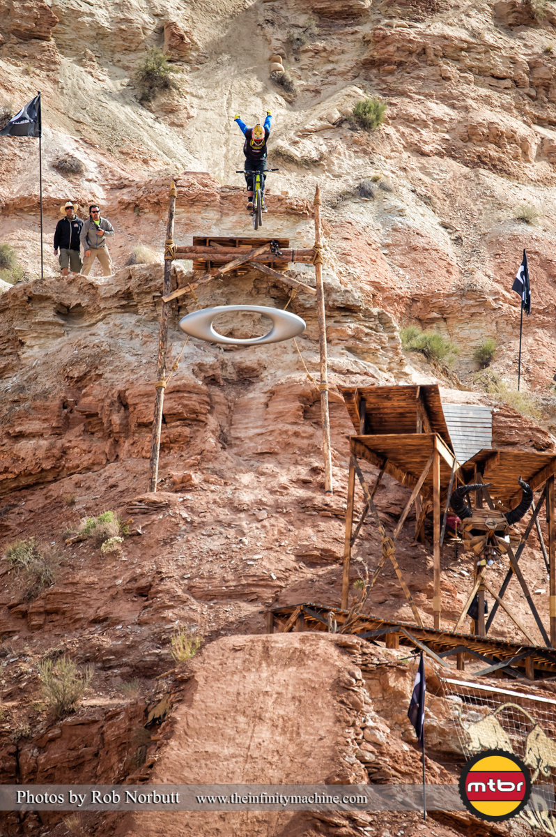 2013 Redbull Rampage Winner Kyle Strait's No-Hander Off the Oakley Sender