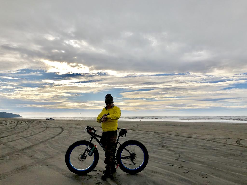 If I want to ride on the beach, what tire pressure should I use?-a692e711-f964-4c58-8fb0-f0e2e9f5dec7.jpg