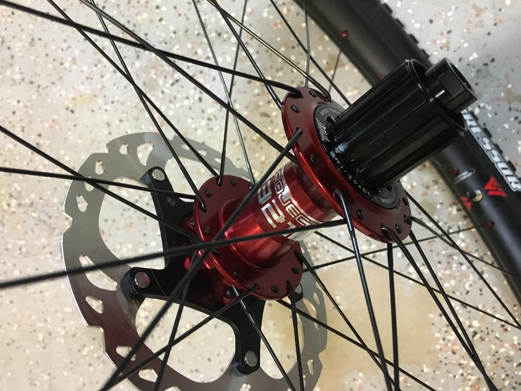 Light Bicycle Carbon Rims-a733589f-3043-40a0-9a08-32f46c3a49c3.jpg