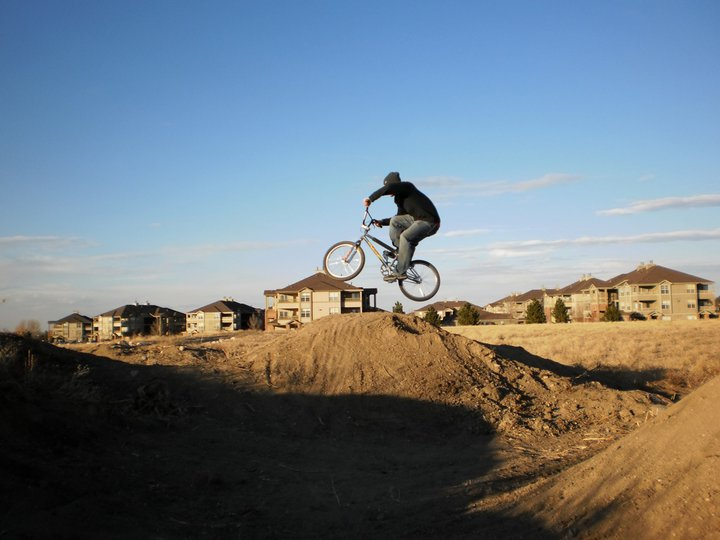 Post Your Dirtjumps!-aaron_airn_02.jpg
