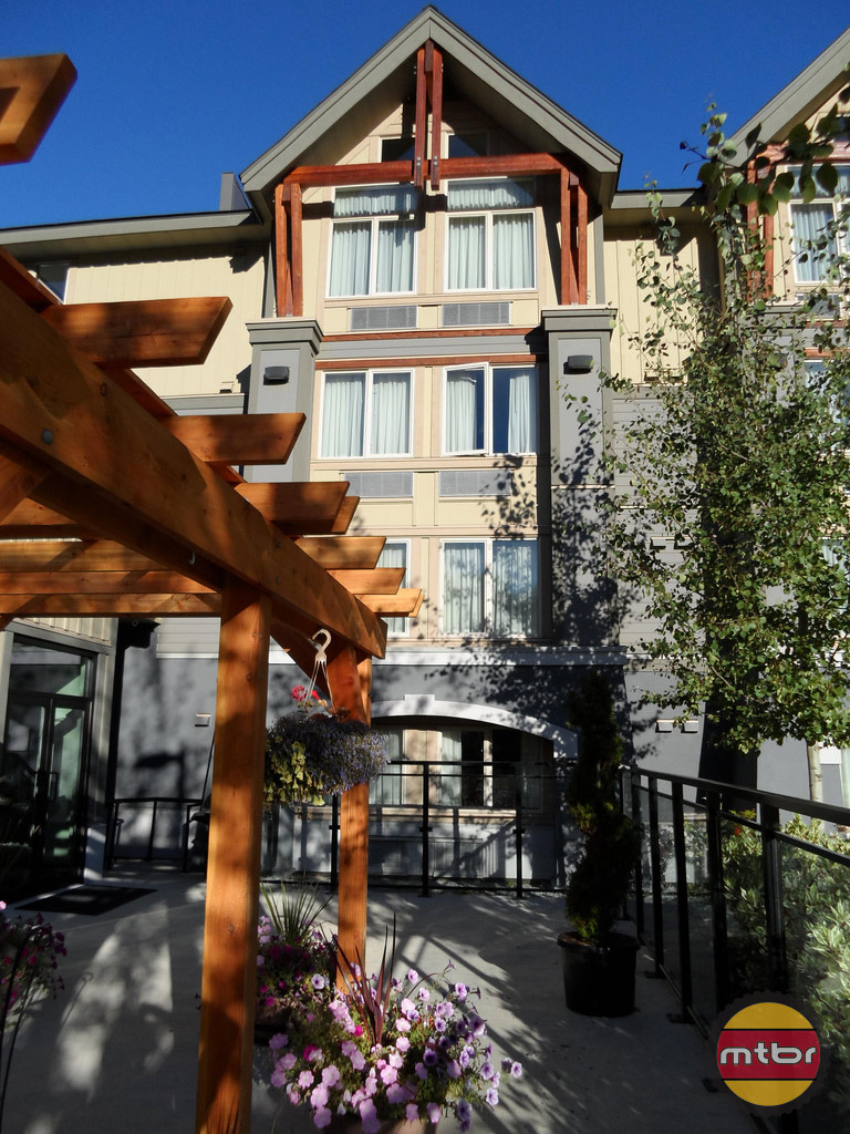 Aava Hotel