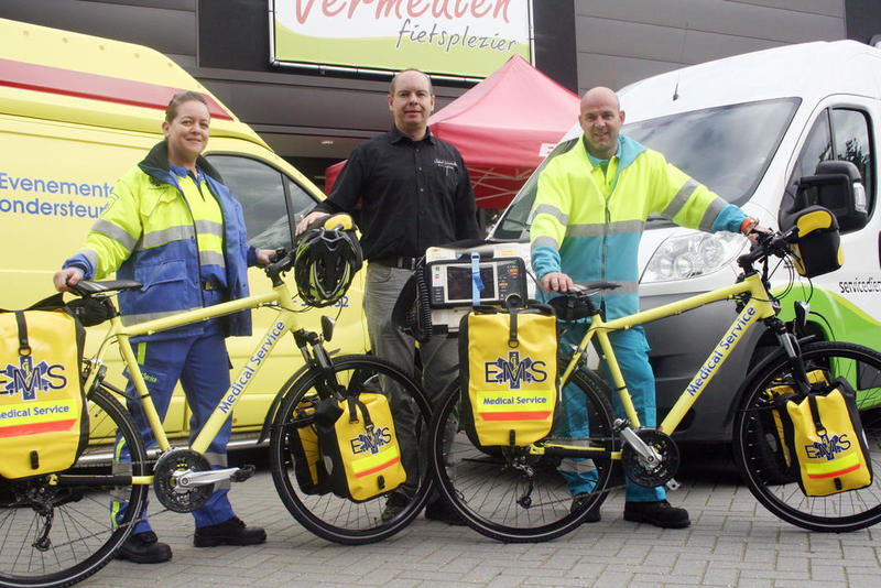 If you call an ambulance in Wales, you might get a bike-ambu-bike2.jpg