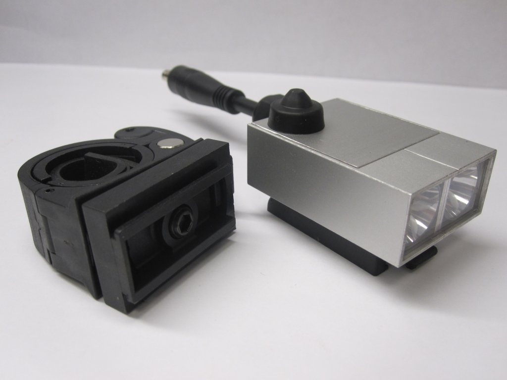 Favorie Made in USA, Handlebar/Rechrgable-amoeba-xm-l2-bar-mounted.jpg