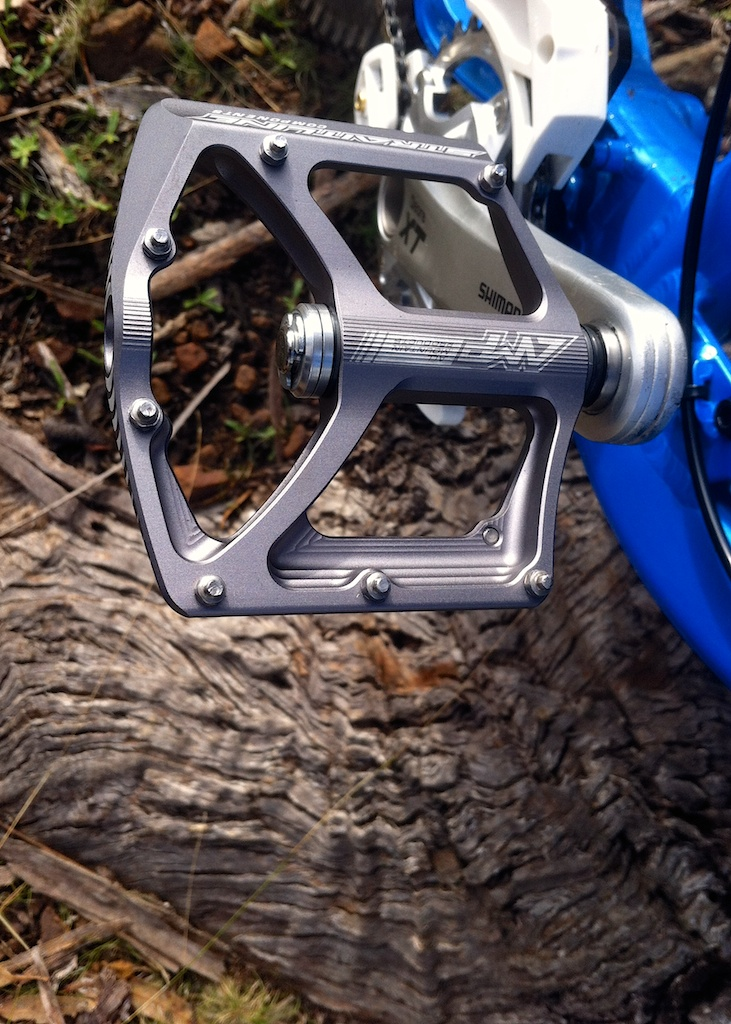 Thin platform pedal for trail riding-amp-ti-b.jpg