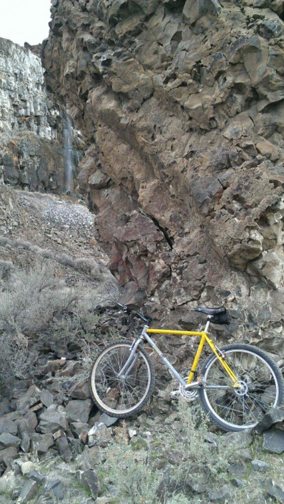 Trail Pics-ancientlakes.jpg