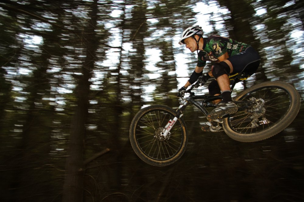 Strobist Gallery- let's see your external flash MTB shots-andrew_01.jpg