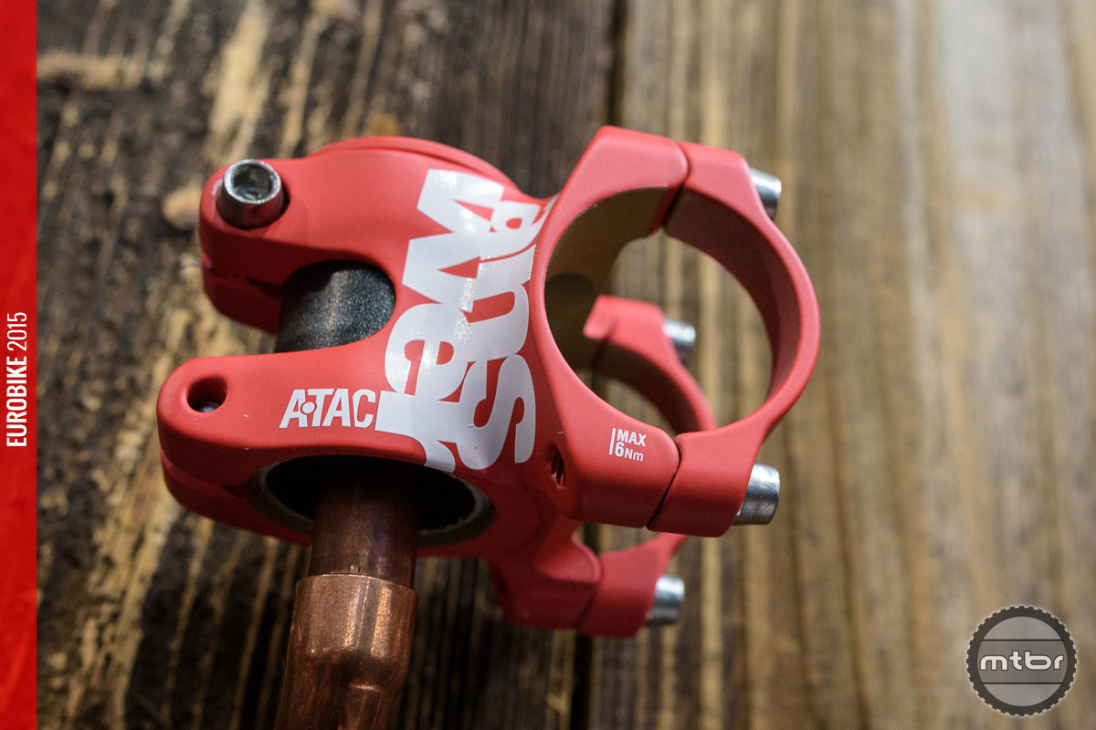 The ultra short 30mm Atac AME stem is 3D forged.