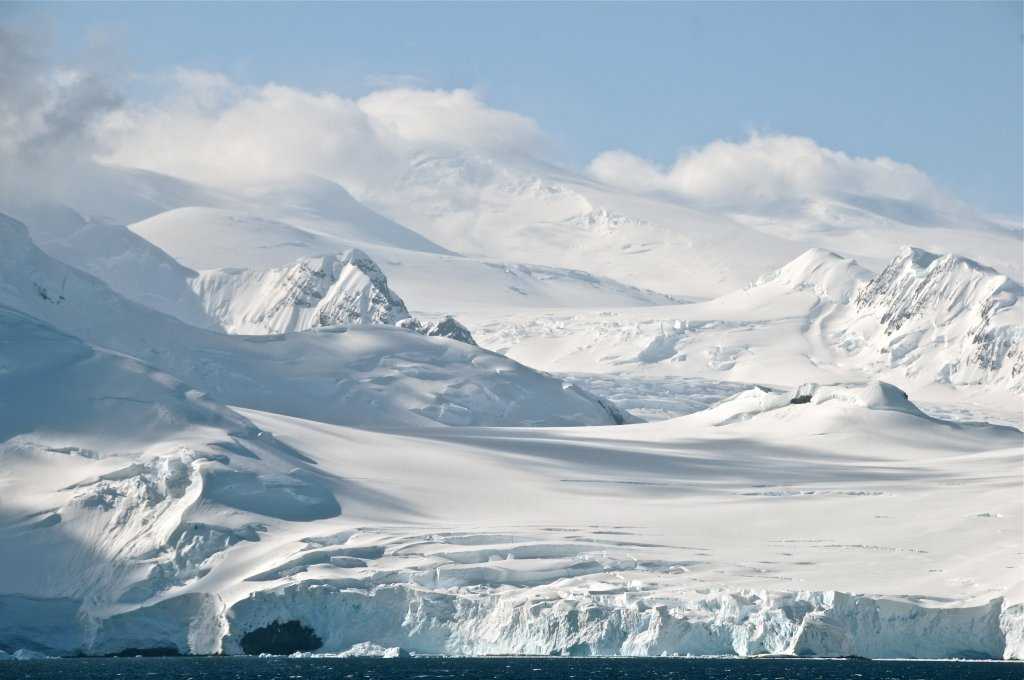 ATTENTION...please..no more 'pictures of the fall'  its getting nauseating...-antarctica-78-388341.jpg
