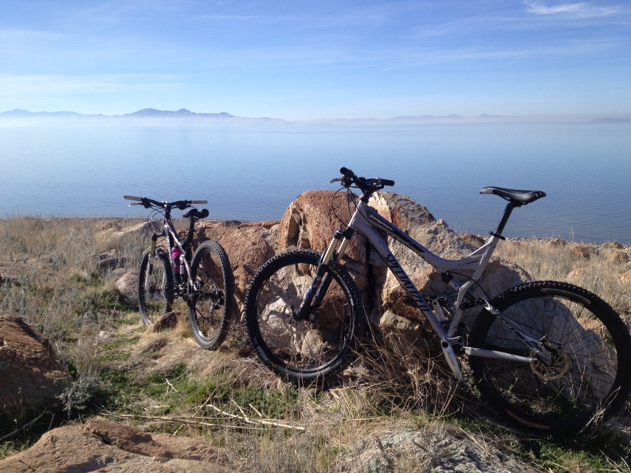 One picture, one line.  No whining. Something about YOUR last ride. [o]-antelope-island-1b.jpg