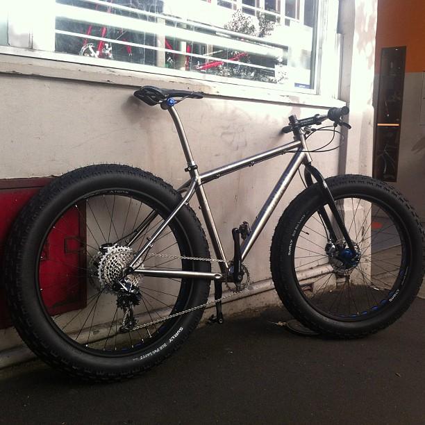 MuruCycles Ti bike VS Salsa beargrease-arrans-bike.jpg