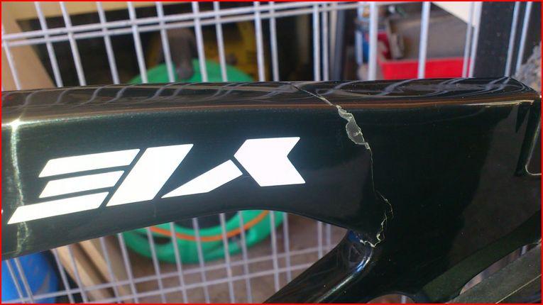 ASR5 cracked rear swingarm , after 3 months of use-ars5-crack.jpg