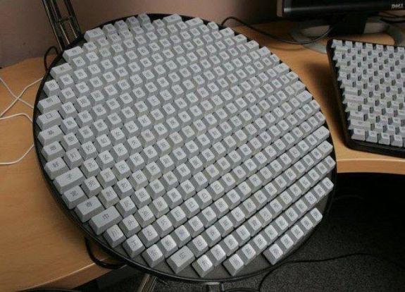 무료 파스타. 뜨거운 동안 그것을 얻으 라. 나는 자주 공유하지 않는다!-asian-keyboard.jpg