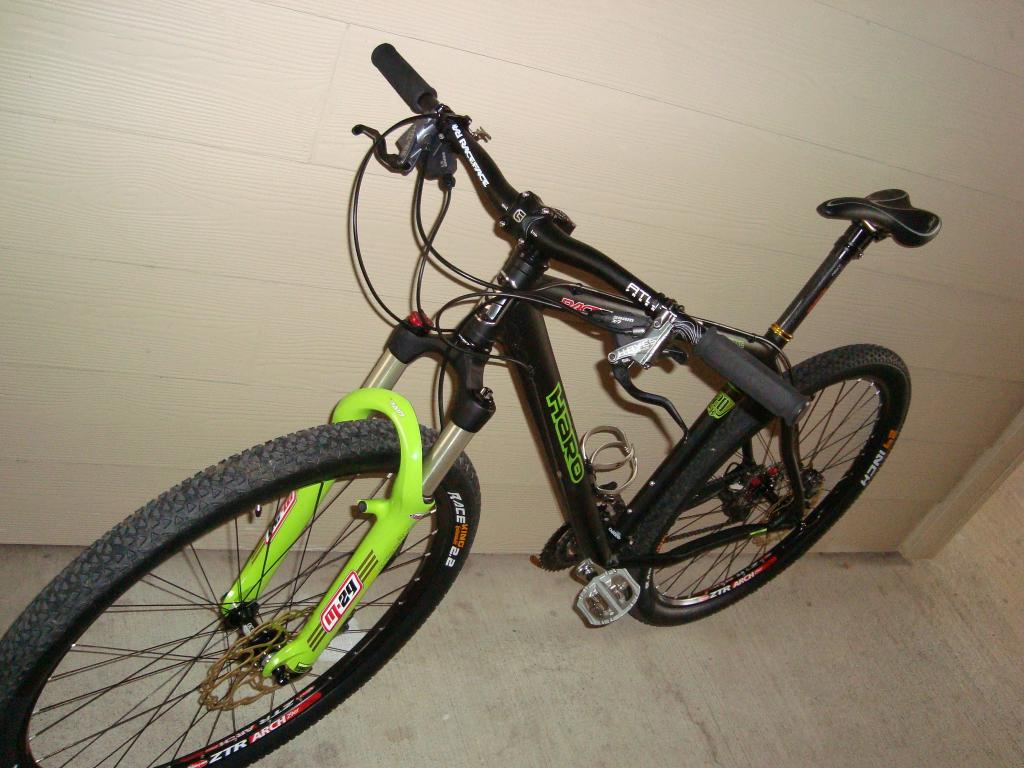Post your light-weight bikes!-autoshow-tx-feb-081.jpg
