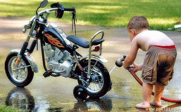 Is this normal? New bike check-baby_cleaning_bike.jpg