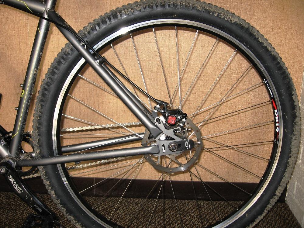 09 Monocog V-brake clearance-back-wheel-160mm.jpg