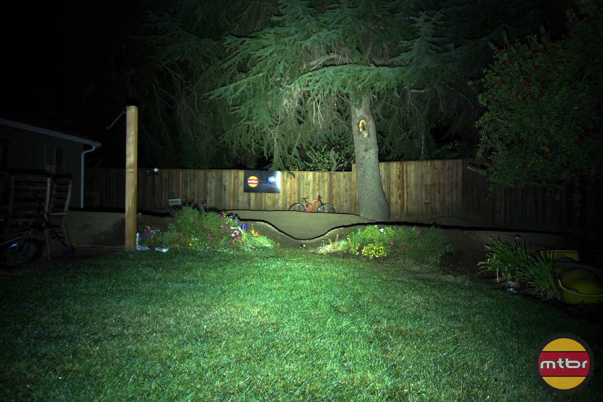 Gloworm XS Backyard Beam Pattern
