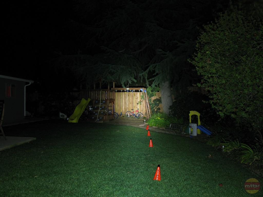 backyard-br-lights-jeni.jpg