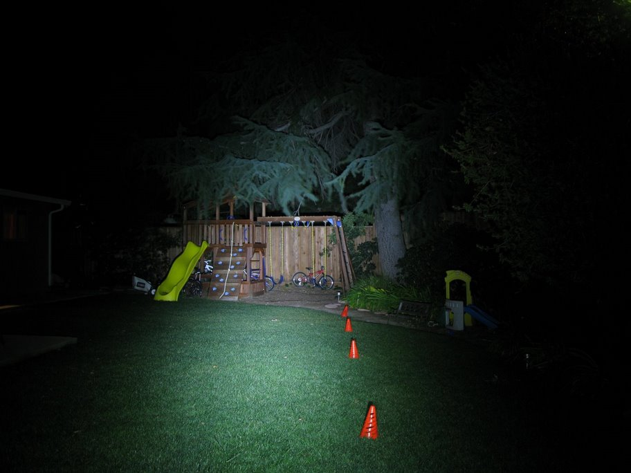 backyard-dinotte-200l-dual.jpg