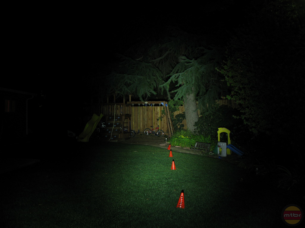 backyard-knog-605.jpg