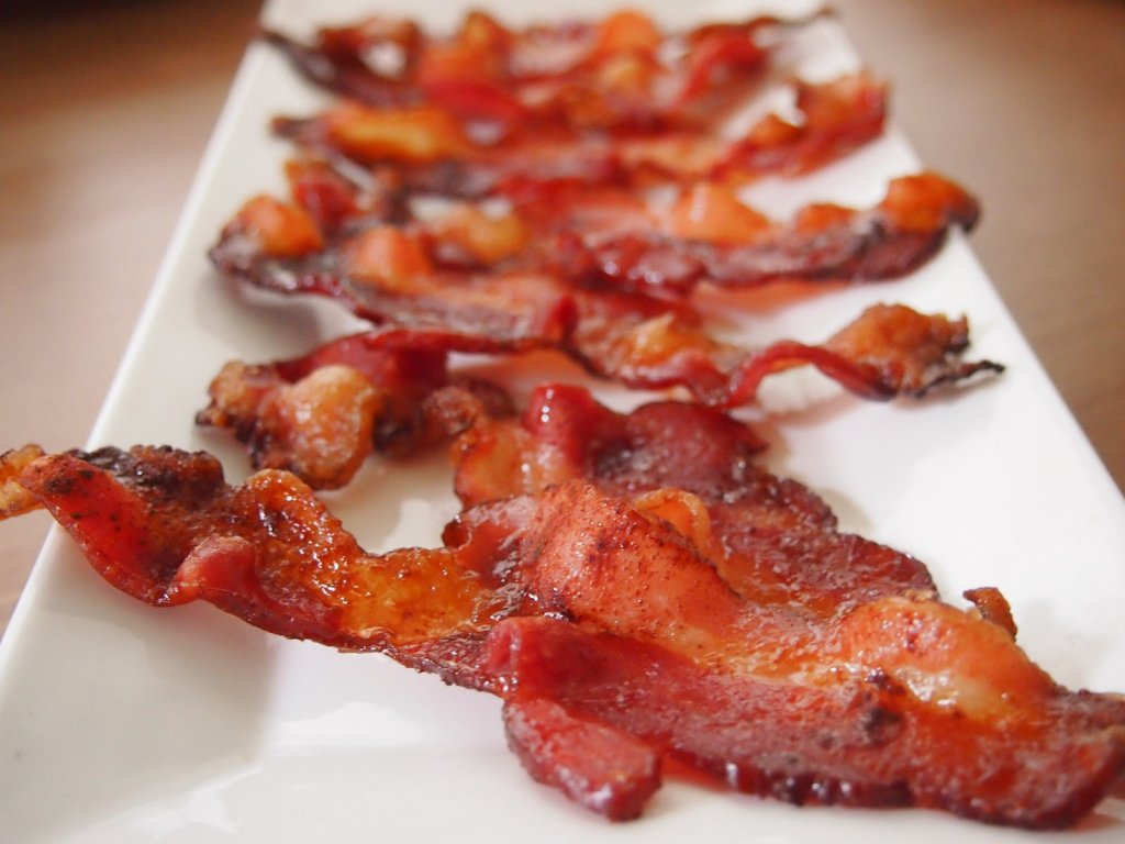 It is midnight and I want some crunchy bacon.-bacon.jpg